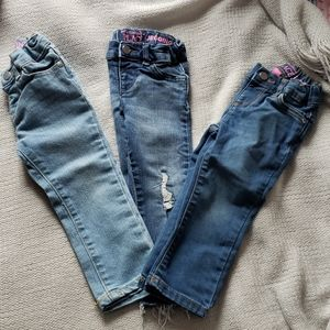 Toddlers 2T lightly worn jeans